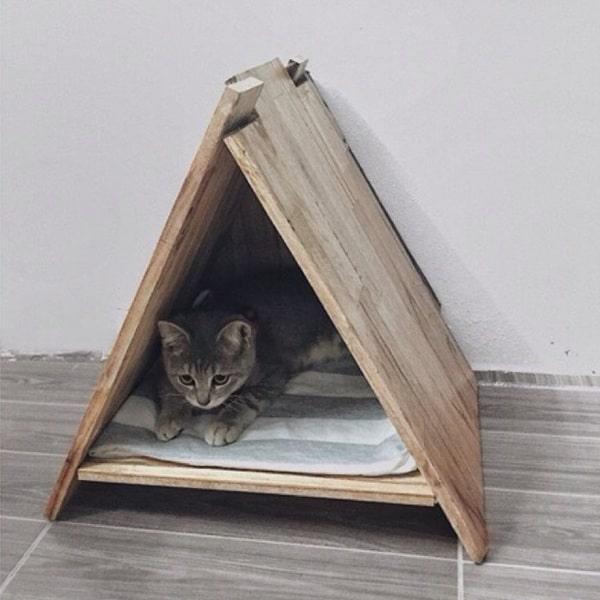Nhà cho mèo bằng gỗ