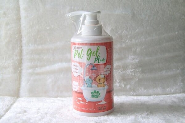Sữa tắm cho mèo Pet Gel Plus đặc trị rận, các loại ký sinh trùng hiệu quả